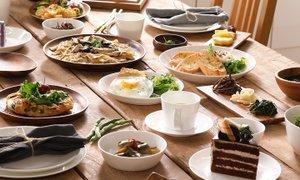 홈스토랑 격이 있는 식사 테이블 스타일링