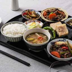 정갈하고 특별한 일본가정식 테이스티도쿄