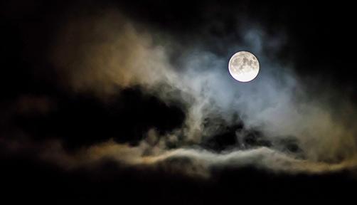 두 개의 달