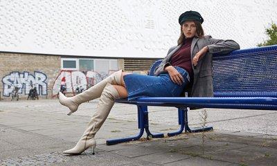 RACHEL COX Long Boots Special