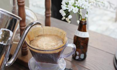 신선한 원두를 커피필그림스와 함께