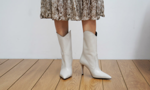 [Rachel Cox] Boots Styling