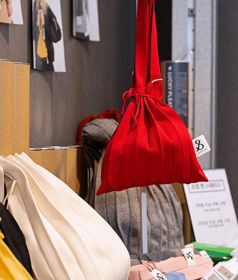 [조셉앤스테이시] Lucky Pleats Knit S Barbados Red