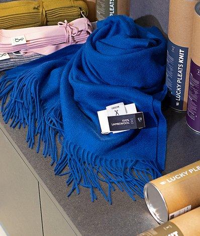 [조셉앤스테이시] JOSEPH&STACEY 100% Lambs Wool Muffler Deep Blue