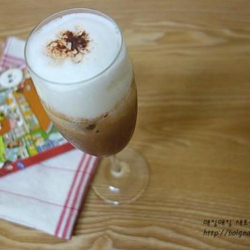 아이스 모카치노 ★ 카누로 만든 커피 레시피
