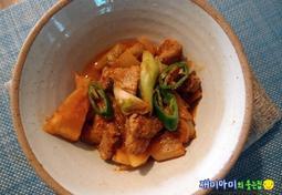 김치짜글이찌개:국물보다 고기 먹자는 김치찌개