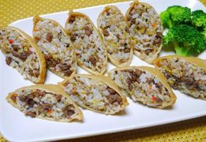 소고기를 넣어 더 든든하게! 소고기 유부초밥
