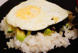 초간단 식사 아보카도 간장밥
