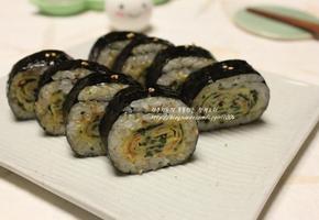 톳 날치알 달걀말이 김밥
