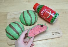 실제 수박과 많이 다른 수박모양쿠키빵 만들기