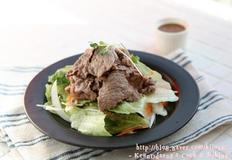 고마(ごま)소스를 곁들인 일본풍 한우 샤브샤브 샐러드