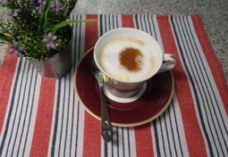 인스턴트 커피로 만드는 카페라떼