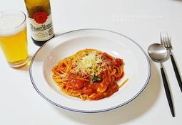 브런치로 좋은 토마토소스 스파게티 샐러드피자 만들기