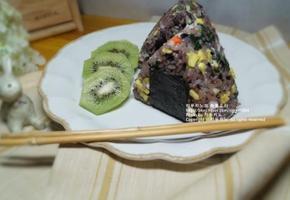남은 김밥재료 활용한, 주말 한끼 쌈장 참치 오니기리