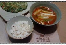 시원한 소고기 육개장 맛이 나는 얼큰 소고기국밥 만들기~ 찬 바람이 불면 더욱 생각나는 얼큰한 소고기 국밥