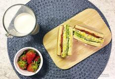 '햄에그 샌드위치' 집에서 맛있게 즐기기!