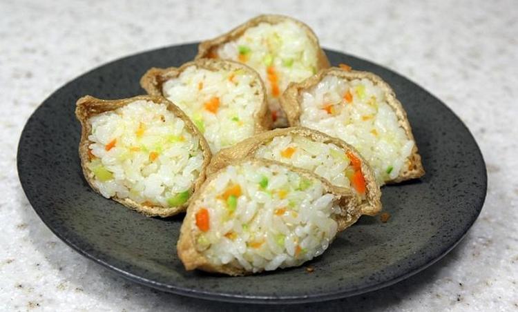 아침밥 유부초밥 채소다져서 쉽고 간단하게 만드는법