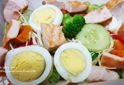 간단한 다이어트 점심 도시락! <닭가슴살샐러드 + 파프리카효능>