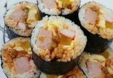 김치김밥, 볶음김치와 스팸넣은 김밥