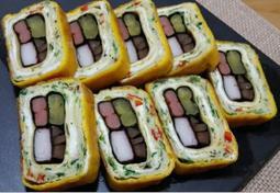 김밥 재료로 말은 계란말이