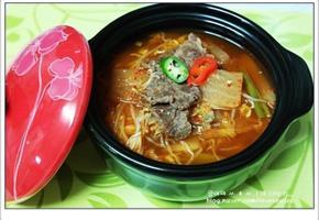 뜨끈뜨끈한 한 그릇에 속이 든든해지는 소고기따로국밥