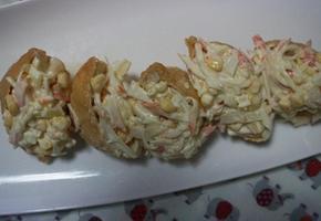 색다른 유부초밥, 고소한 게살샐러드 듬뿍 올라간 게살초밥