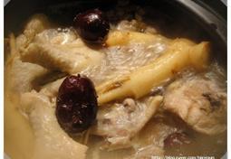 닭봉과 닭날개로 만든 삼계탕