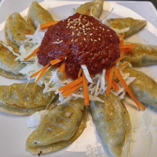 만두의 변신 야식이 땡길땐 비빔만두
