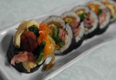 먹다 남은 재료와 묵은지로 만든 다양한 김밥