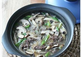제철 버섯 넣고 한뚝배기 보글보글~ 끓인 불고기 버섯전골