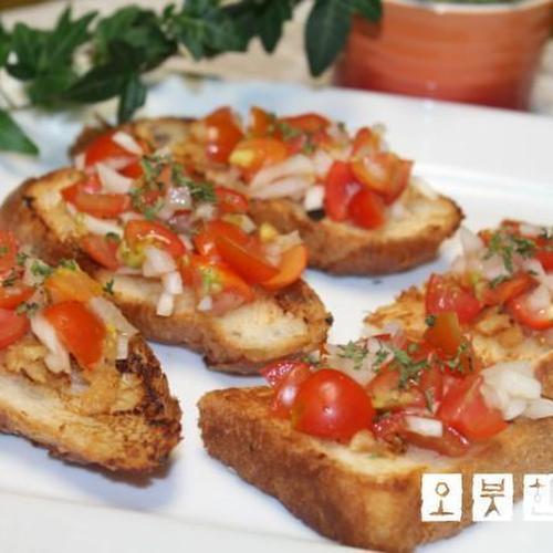 베란다텃밭 에서 수확한 방울토마토로 만든 토마토 브루스게타