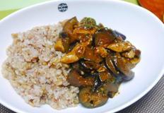 닭고기와 가지로 이색적인 한그릇! 마파가지덮밥