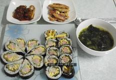 딸아이를 위한 도시락과 꽃잎 김밥 만드는 법