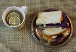 겨울 한정 귤 연어 샌드위치