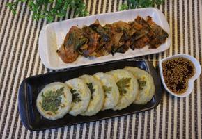 비 오늘날 김치부침개와 감자전