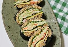 <연어샐러드 오니기리> 연어통조림캔으로 만든 일본식 주먹밥