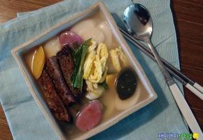 스테이크떡국:고명대신 스테이크,만두대신 스테이크