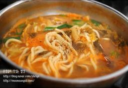 칼칼하고 시원한 국물맛~~김치칼국수~~