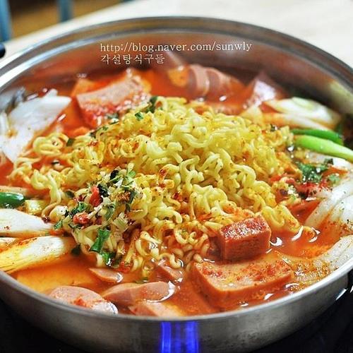 얼큰한 부대찌개 만들기 / 동원 매운리챔