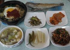 남은 보름나물로 만든 뚝배기 비빔밥