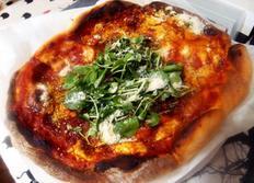 #나폴리에서 먹었던 맛을 그리며 마르게리타피자 만들기 #토마토소스 듬뿍 넣고 올리브오일 듬뿍 넣고 치즈 넣고 구워낸