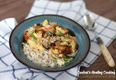다른 반찬이 필요없는 일품 요리 보들보들 크래미 달걀 덮밥