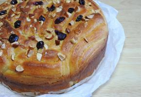 연유소스를 듬뿍 바른 연유빵 만들기