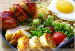 알뜰하게 만든 도시락반찬(두부게맛살동그랑땡, 감자베이컨샌드튀김, 어묵전)