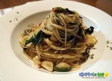 시금치(포항초)알리오올리오:시금치를 좋아하게 만드는 파스타