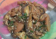[분홍소세지 버섯볶음] 추억의 분홍소세지 버섯이랑 같이 볶아도 맛있어요 -양싸