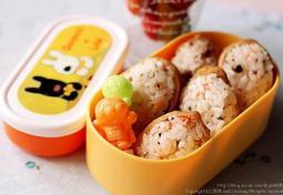 새콤달콤 유부초밥