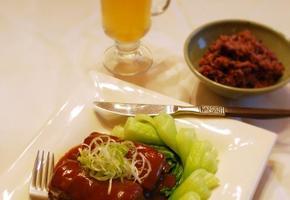 부드러운 통삼겹살 요리 ; 동파육 ( 東坡肉,D?ngp?r?u)