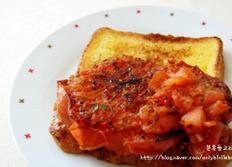 건강에 좋은 구운 토마토 프렌치 토스트