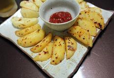 후라이팬에 쉽고 간단하게 만드는 웨지 감자!